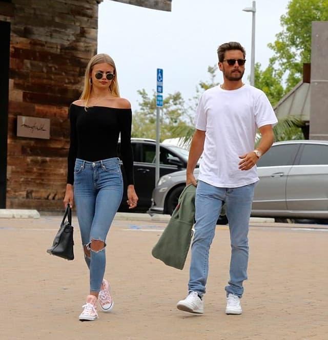 Scott u šetnji sa novom devojkom (foto: Mega)